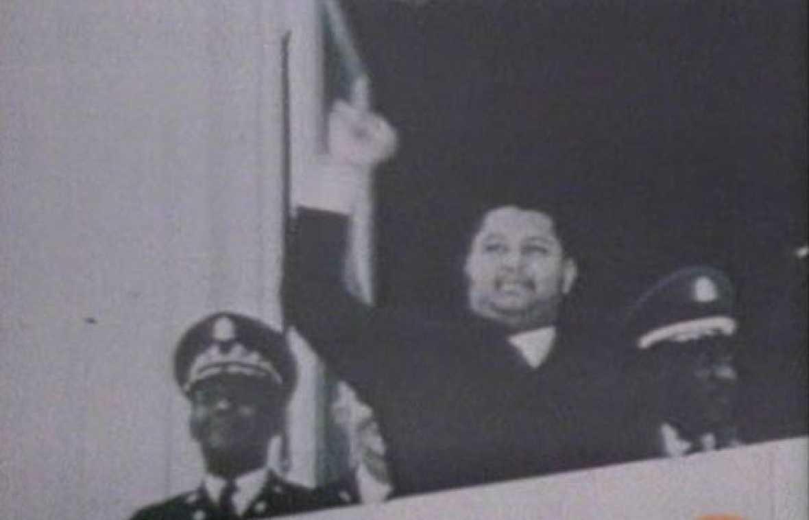 Las protestas en las calles haitianas el 7 de febrero de 1986 aceleraron el exilio de Duvalier, y pusieron fin a tres décadas de la dinastía. Presidente vitalicio y dictador de Haití entre 1971 a 1986