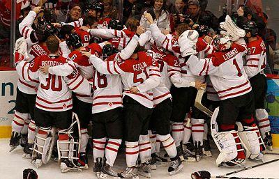 La selección anfitriona de hockey canadiense se impuso en la prórroga gracias a un gol de oro a la selección de EEUU. Los canadienses consiguen así su octava medalla de oro olímpica de la disciplina.
