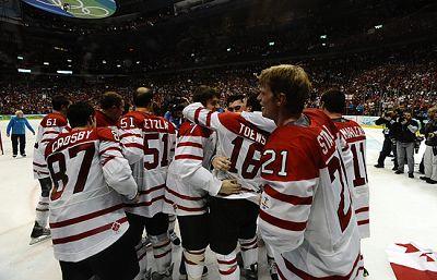 Canadá cerró sus Juegos Olímpicos de Vancouver con un broche de  oro al conquistar la última presea dorada de la competición  imponiéndose a Estados Unidos, por 3 a 2, en una espectacular final de hockey sobre patines.