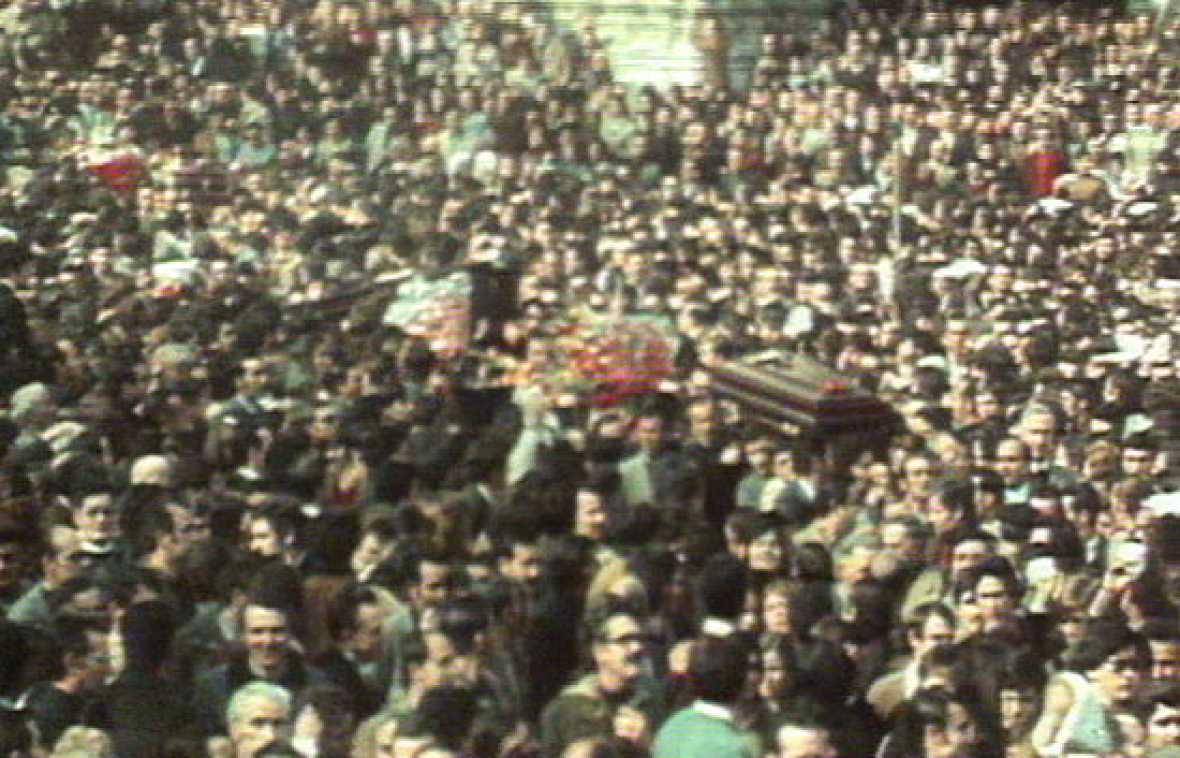 En Vitoria, cada mes de marzo recuedan a las víctimas de un dramático suceso ocurrido en los inicios de la Transición