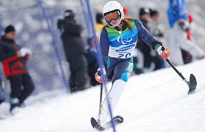 La esquiadora española Ursula Pueyo fue la decepción española de la jornada. Andrés Boira y Anna Cohí, junto a sus guías, nos muestran como es la vida de un deportista de élite ya que su esfuerzo por el deporte es igual o superior a el de cualquier a