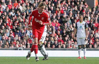 Dos goles del fuenlabreño finiquitan el choque entre el Liverpool y el Sunderland (3-0).