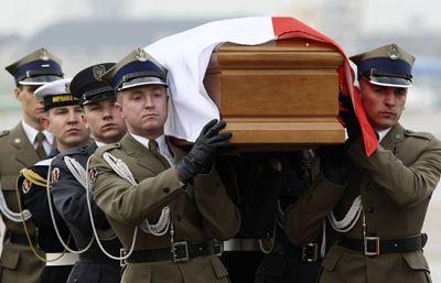 Los restos mortales de Maria Kaczynska han llegado ya a Polonia
