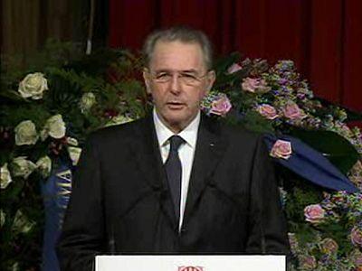 Autoridades políticas y deportivas despiden a Samaranch