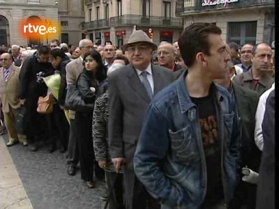 Cientos de personas despiden a Samaranch