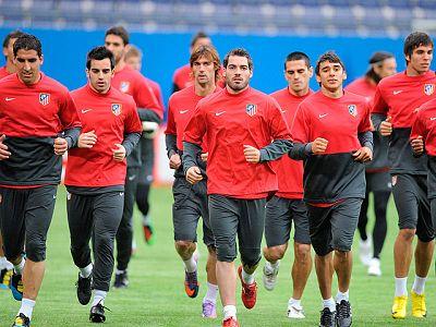 El Atlético de Madrid se ha ejercitado en Hamburgo con la vista puesta en la final de la Europa League, que disputará este miércoles ante el Fulham.