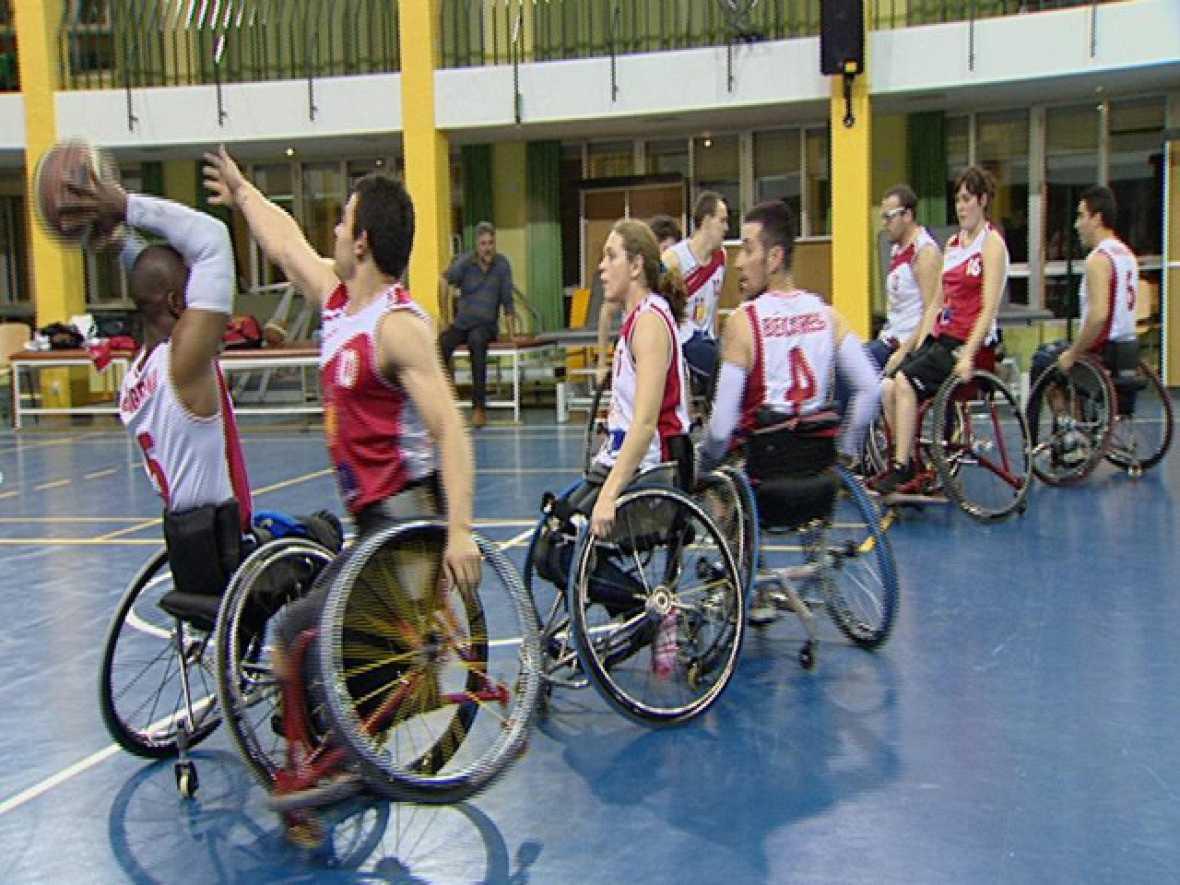 El mundo se mueve contigo / Capacita2: Eqipo de baloncesto Peraleda