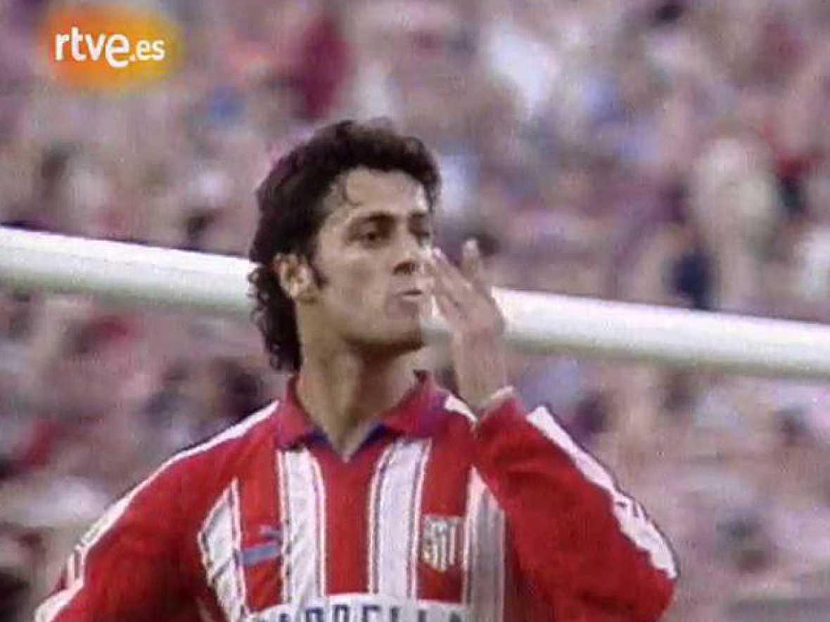 Con una victoria ante el Albacete, el Atlético de Madrid lograba el sueño del doblete. Tras ganar la Copa del Rey, se eirgió campeón de Liga. (1996)