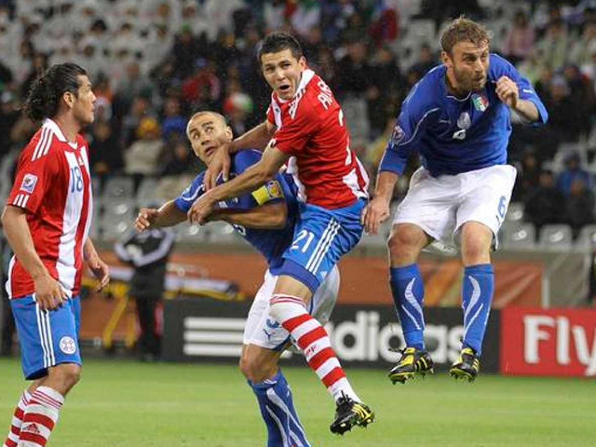 La selección italiana ha empatado a uno ante Paraguay en su debut en el Mundial de Sudáfrica gracias a un error del portero Justo Villar.