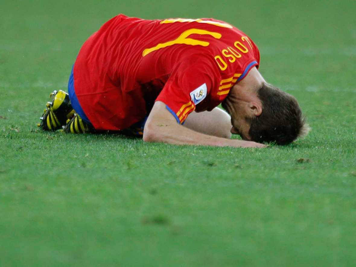 Tremendo batacazo el que se ha llevado España en su debut. España ha comenzado el Mundial con una inesperada derrota ante Suiza, que ha sorprendido a la 'Roja' con un gol al contragolpe. Los jugadores de Del Bosque no han tenido acierto de cara al go