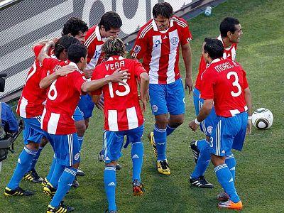 Paraguay ha vencido a Eslovaquia por dos goles en uno de los partidos más aburridos de lo que llevamos de Mundial. La selección europea apenas ha creado ninguna ocasión de gol en todo el partido y por ello se ve condenada a jugarse la vida en la ter