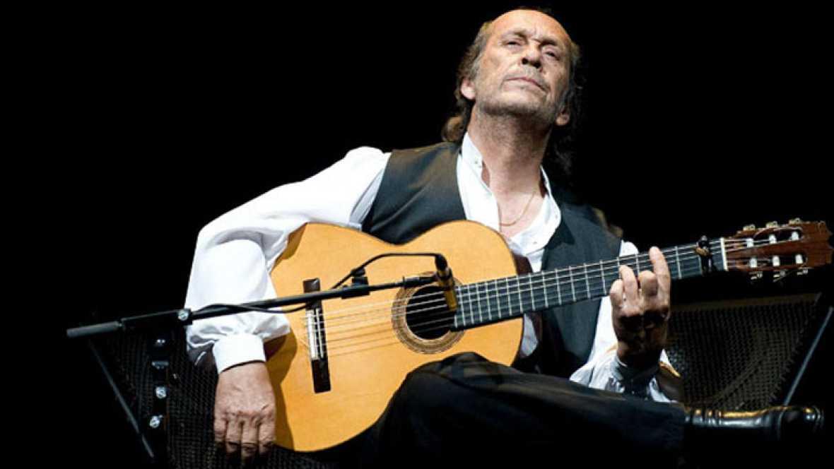 El guitarrista Paco de Lucía durante su actuación de anoche en el Festival Luna Lunera