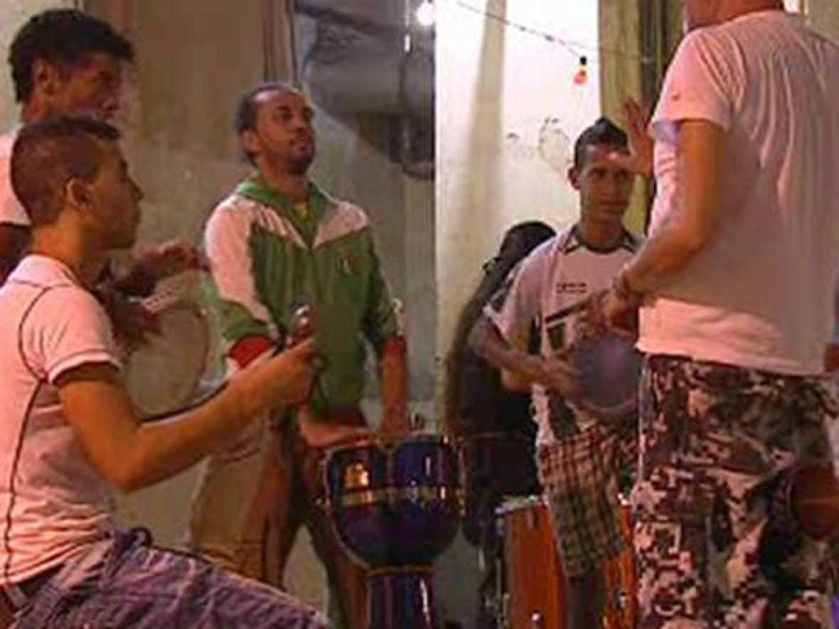 Integración de jóvenes inmigrantes con música en Madrid
