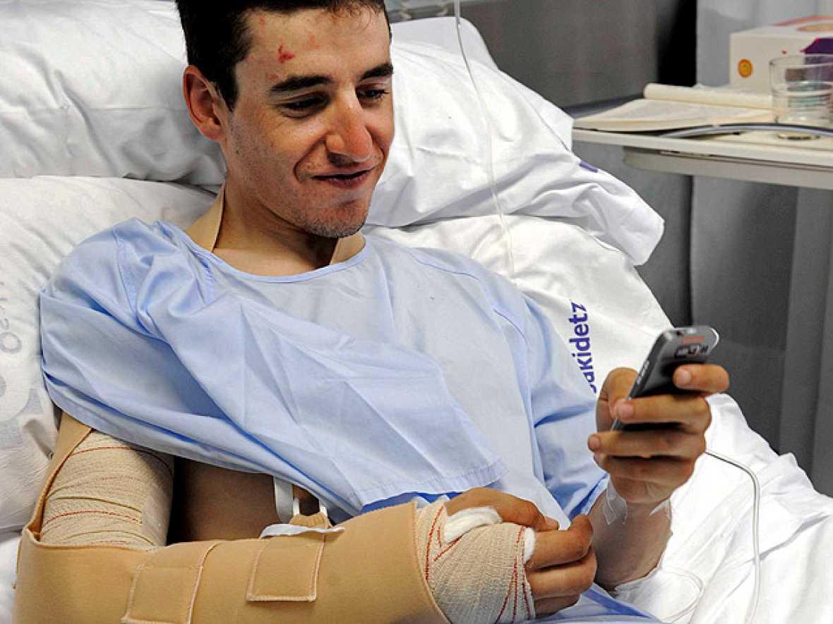 TVE ha hablado, menos de 24 horas después, con Igor Antón, el ciclista de Euskaltel Euskadi que siendo líder de la Vuelta se cayó el sábado y tuvo que abandonar la competición.