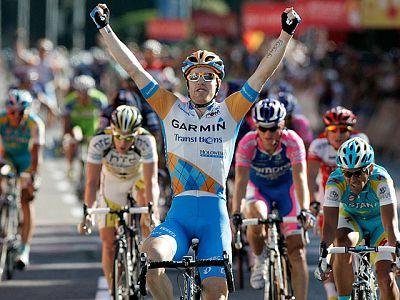 Tyler Farrar (Garmin) se ha impuesto al sprint en la vigésimo  primera y última etapa de la Vuelta Ciclista a España disputada en un  circuito urbano sobre 85 kilómetros que ha recorrido las calles más  insignes de la capital. El ciclista norteameric