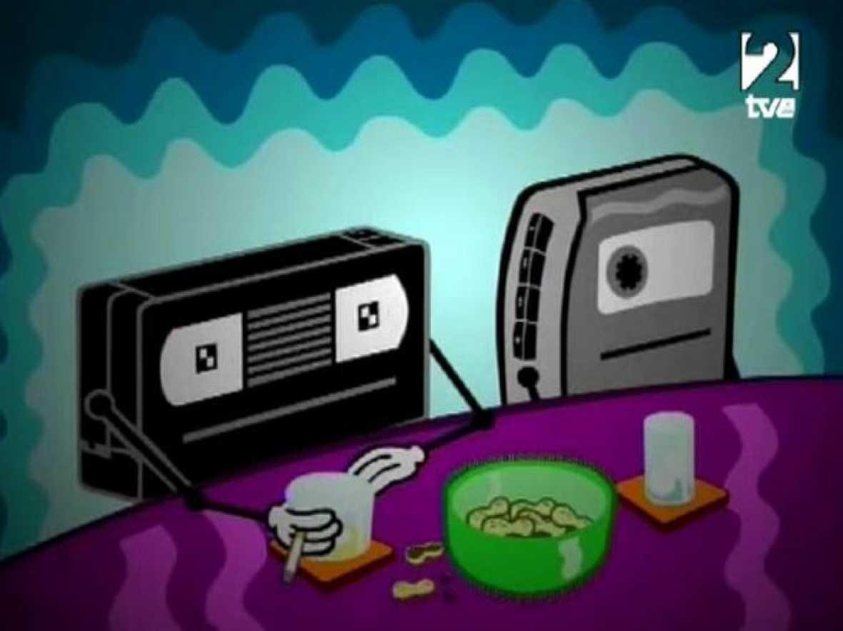 Una cinta VHS charla en un bar con un walkman, recordando tiempos mejores