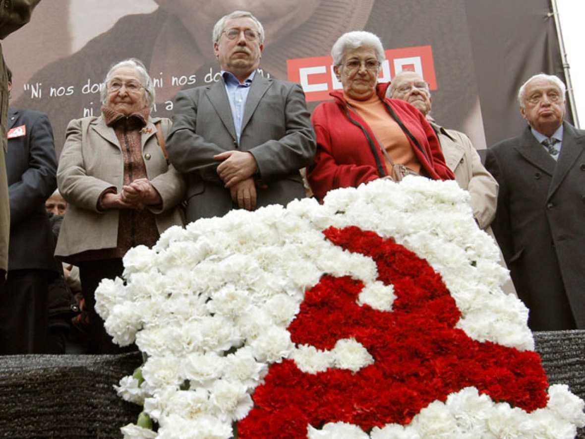 Marcelino Camacho, enterrado tras recibir un homenaje en la Puerta de Alcalá