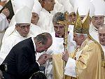 El Papa consagra la Sagrada Familia (07/11/10)
