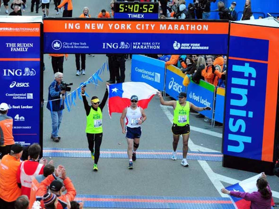 Edison Peña, uno de los mineros atrapados y rescatados en Chile, ha corrido la Maratón de Nueva York y ha conseguido finalizarla.