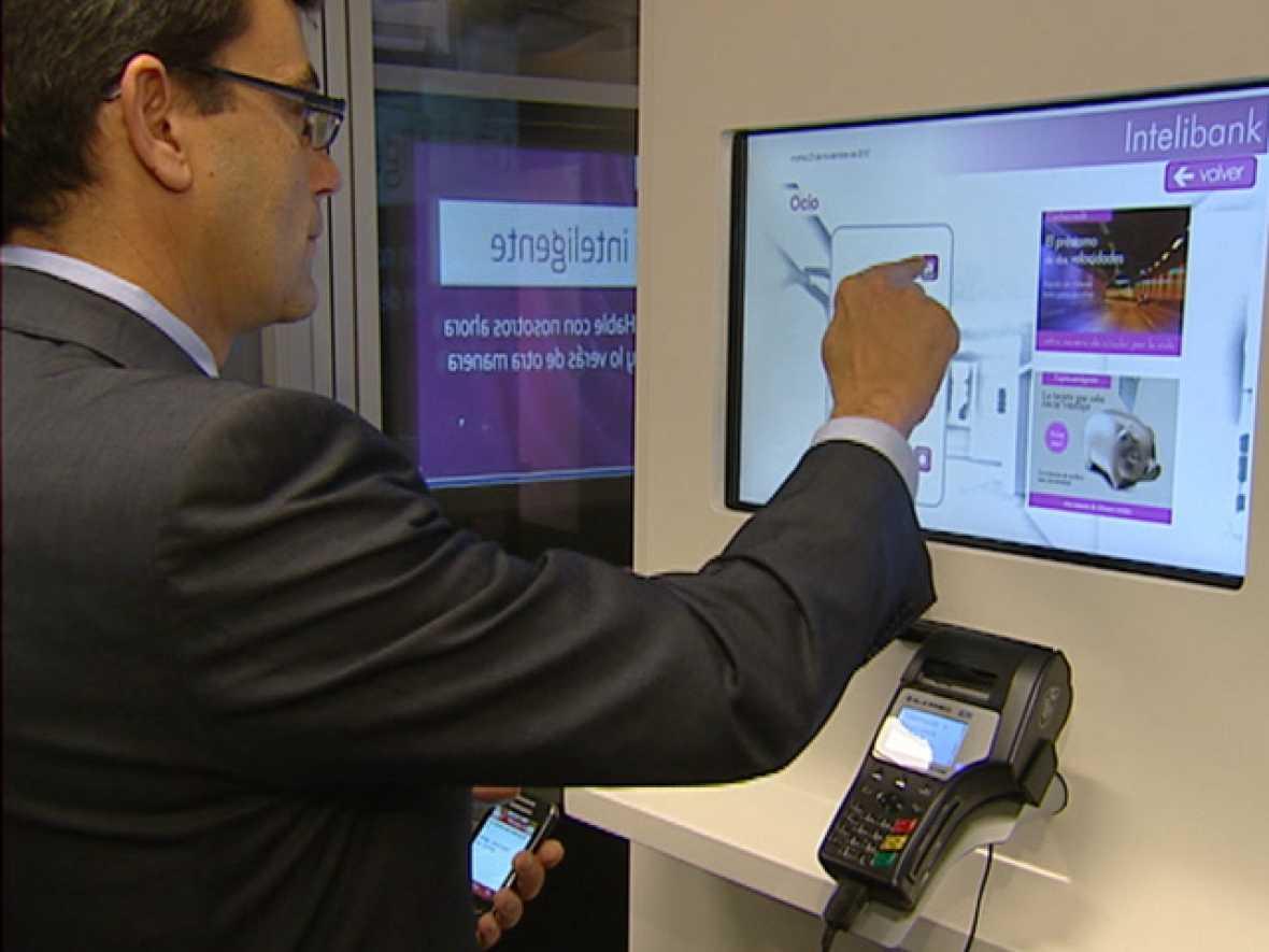 En las sucursales bancarias del futuro la tecnolog a for Oficinas bancarias abiertas por la tarde