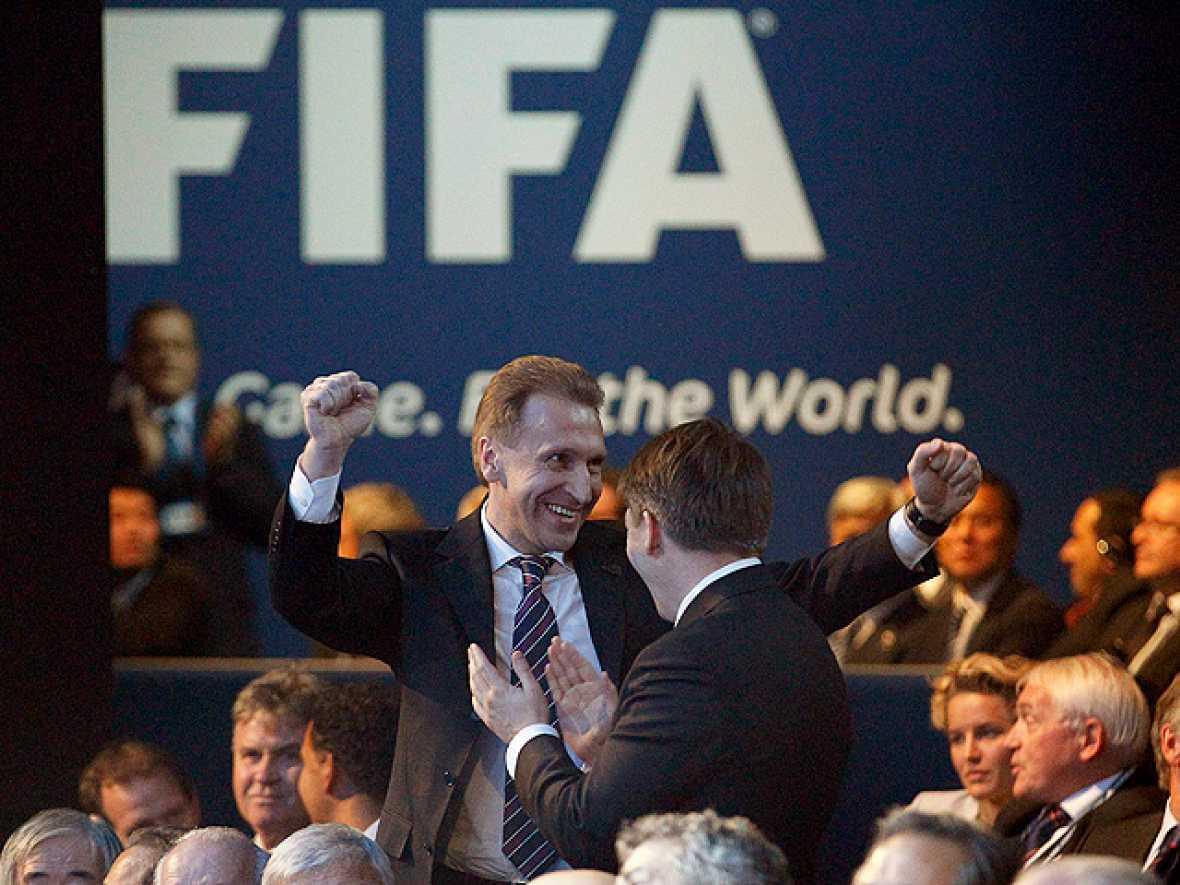 Rusia supo jugar bien sus cartas y fue elegida como sede del Mundial 2018. Por la alegría, el primer ministro ruso, Vladimir Putin hizo las maletas para dirigirse a Zúrich y agradecer a la FIFA la confianza en su país.