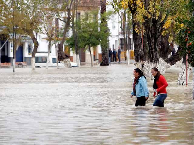Meteorología activa la alerta roja en la capital andaluza