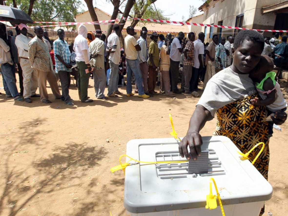 El Sur de Sudán, de mayoría cristiana, celebra un referéndum para independizarse del Norte