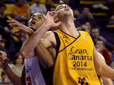 El Gran Canaria 2014 logró una importante victoria ante el CB Granada (86-71) que le permite seguir soñando con la Copa del Rey. El conjunto isleño queda en la novena posición, aunque empatado con el octavo, Bizkaia Bilbao Basket