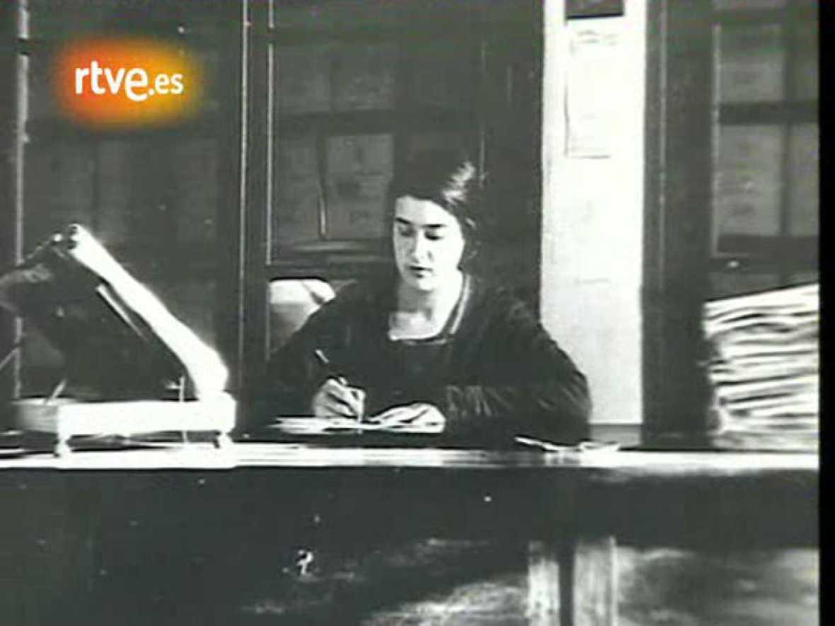 Mujeres en la historia - María Moliner: los libros