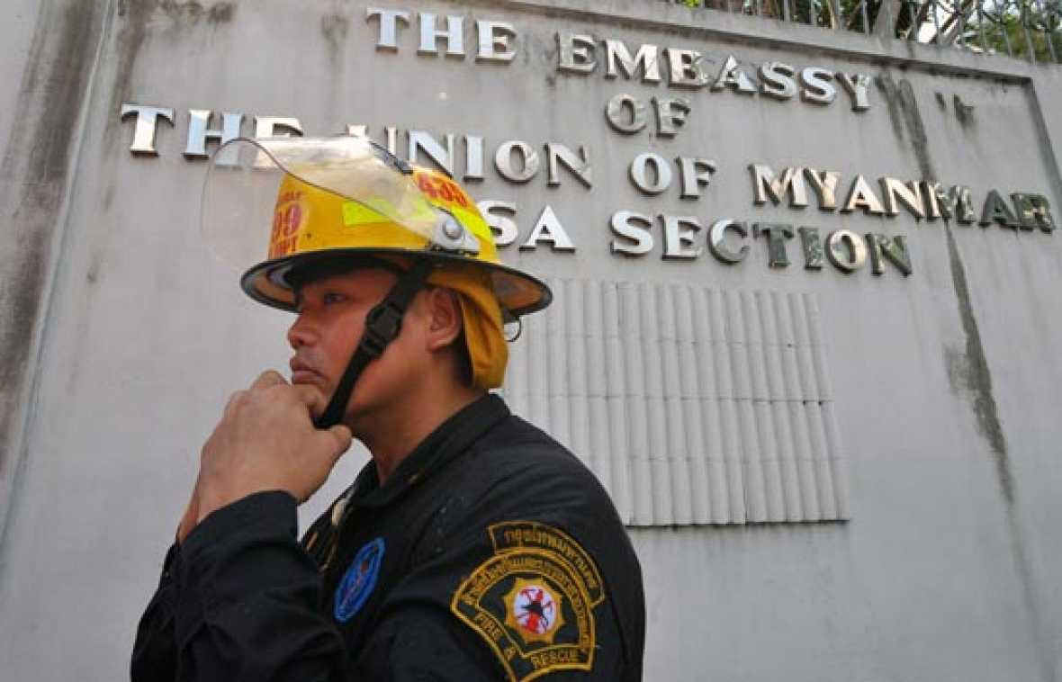 Embajada incendiada