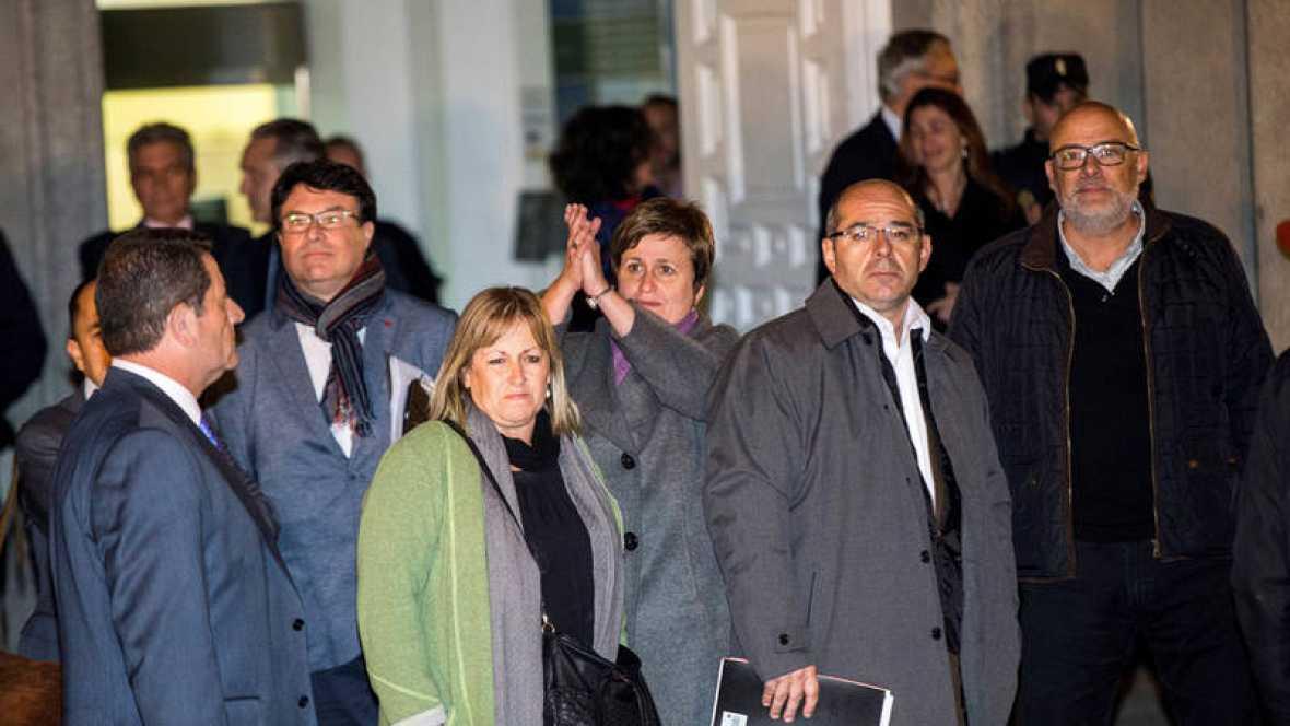 Joan Josep Nuet, Lluís Corominas, Lluís Guinó, Anna Simó y Ramona Barrufet salen del Tribunal Supremo, el pasado 9 de noviembre