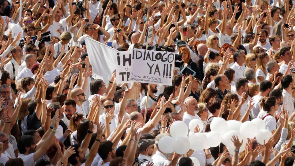 Resultado de imagen de manifestacion hablemos prendas blancas